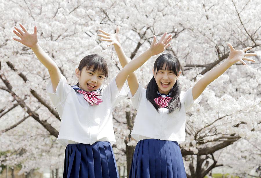 春を迎えた学生のイメージ